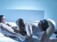 Dani Daniels e Kendra Lust no minete lesbico