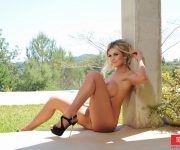 fotos-sexy-tomie-jo-a-loira-mamalhuda 15