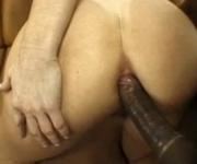 madura brasileira sodomizada e regada com um monte de porra na boca