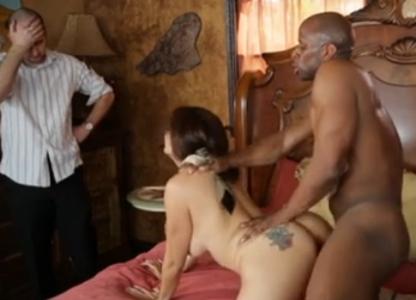 Marido Chupa Peitoes - free porn videos
