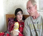 Pai Liberando A Filha Para Transar Com Namorado