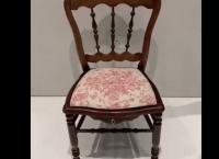 Brinquedos sexuais de antigamente – Pénis na Cadeira